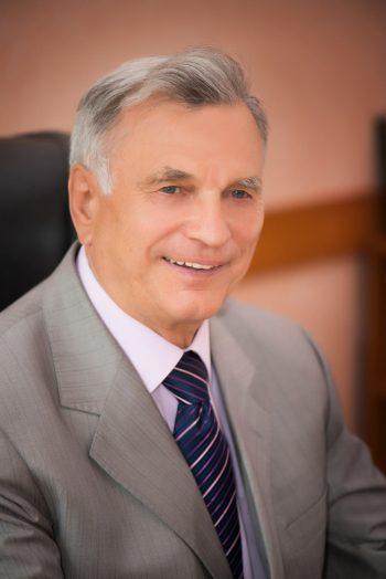 Студенческо-преподавательский коллектив университета искренне поздравляет ректора!